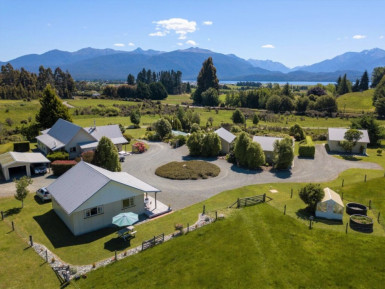 Blue Thistle Cottages Business for Sale Te Anau Southland