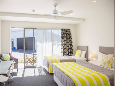 Contemporary Motel for Sale Carters Beach, Buller, West Coast