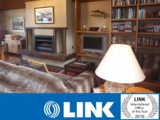 Lakefront Rotorua Freehold Lodge  Business  for Sale