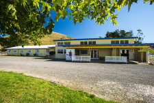 Muriwai Hotel  Business  for Sale