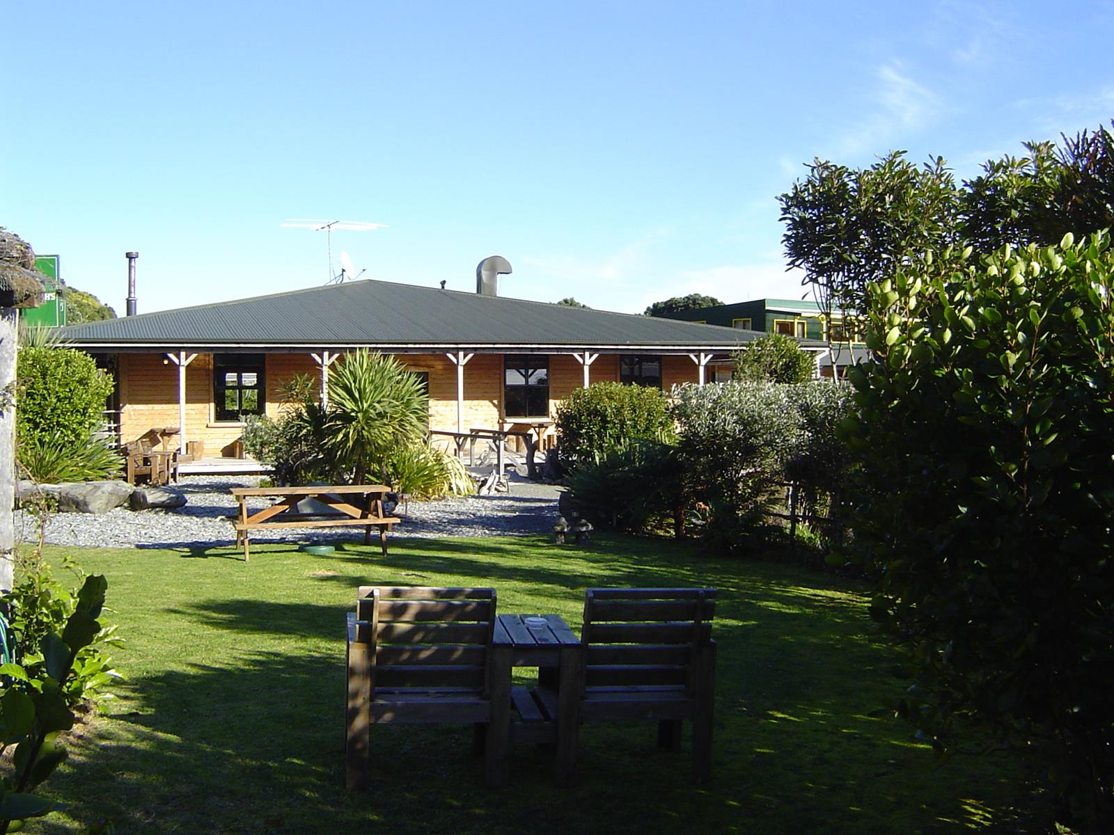 Tavern and Accommodation FHGC Business for Sale West Coast