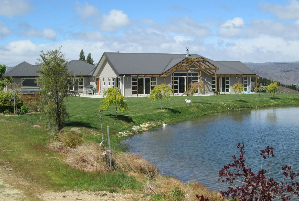 Vineyard and Bed and Breakfast Business for Sale Alexandra Otago