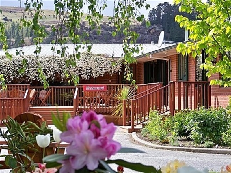 FHGC Lake Roxburgh Lodge for Sale Central Otago