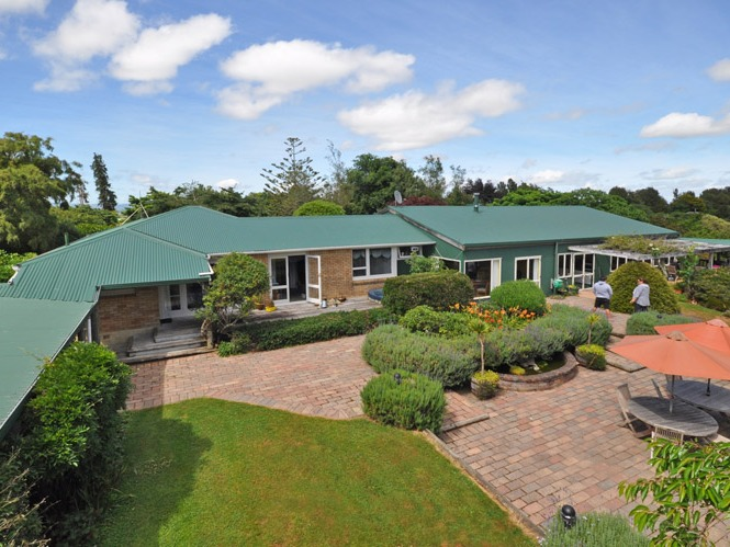 Accommodation and Restaurant Business for Sale Pukeatua Waikato