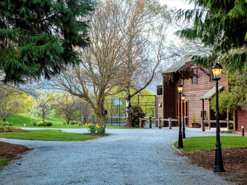 Manata Lodge Luxury Business for Sale Queenstown