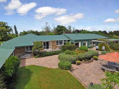 Freehold Country Guesthouse Business for Sale Pukeatua Waikato