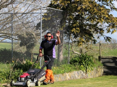Lawn Mowing and Gardening Franchise for Sale North Shore